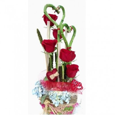 Centro de rosas rojas, especial para San Valentín.