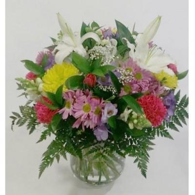 Ramo de flor variada, en tonos primaverales (según flor de temporada)
