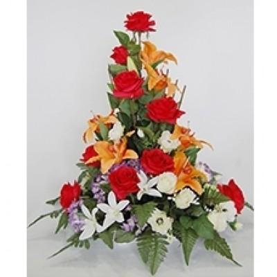 Centro de flor artificial en bandeja decorativa, (sujeto a modificaciones según stock y tendencia)