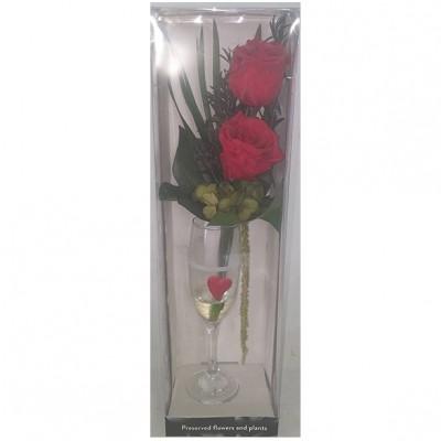 Centro de rosas preservada, preparado en copa de cristal
